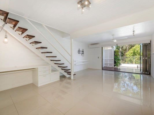 $250, Flatshare, 2 bathrooms, Ray Street, Sunshine Beach QLD 4567
