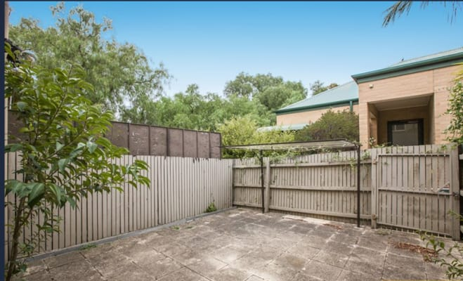 $195, Share-house, 3 bathrooms, Youlden Street, Kensington VIC 3031