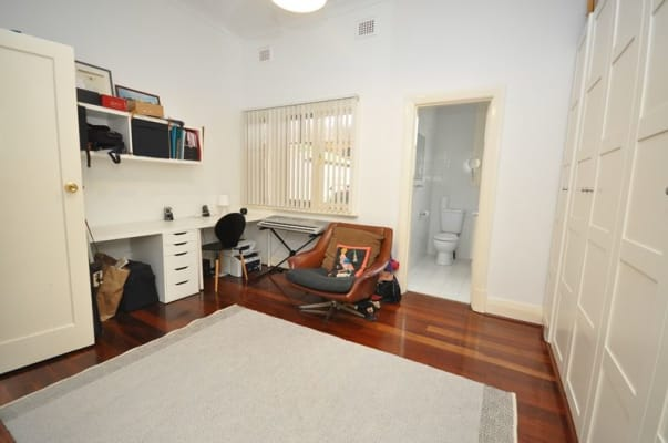 $350, 1-bed, 1 bathroom, Knutsford Street, North Perth WA 6006
