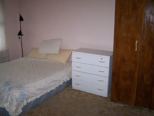 $160, Share-house, 3 bathrooms, Michael Street, Beaconsfield WA 6162