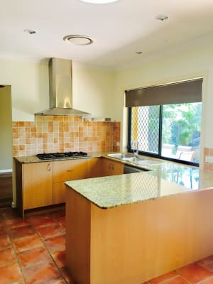 $250, Share-house, 4 bathrooms, Bamboo Avenue, Benowa QLD 4217