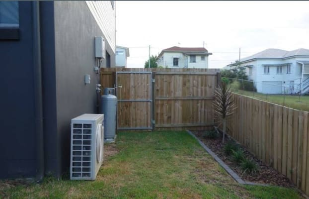 $220, Flatshare, 3 bathrooms, Wilton Terrace, Yeronga QLD 4104