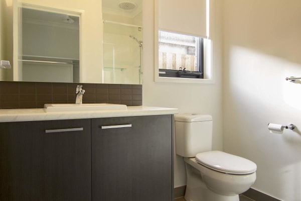 $130, Share-house, 3 bathrooms, Middleton Road, Armstrong Creek VIC 3217
