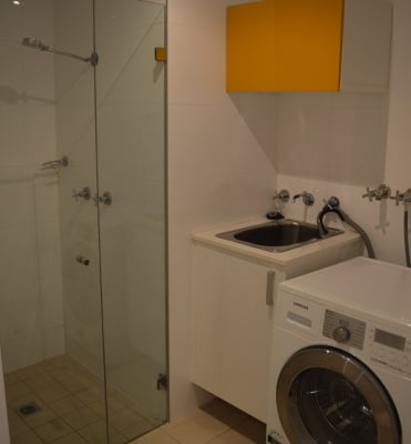 $1,250, Whole-property, 2 bathrooms, Wentworth Park Road, Glebe NSW 2037