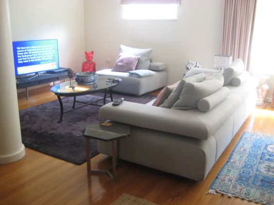 $400-420, Homestay, 2 rooms, Darling Point Road, Darling Point NSW 2027, Darling Point Road, Darling Point NSW 2027