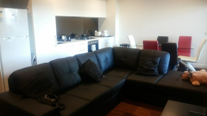 $175, Flatshare, 2 bathrooms, Clinch Avenue, Preston VIC 3072