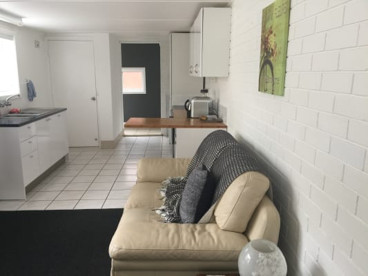 $415, Share-house, 1 bathroom, Grenfell Avenue, North Narrabeen NSW 2101