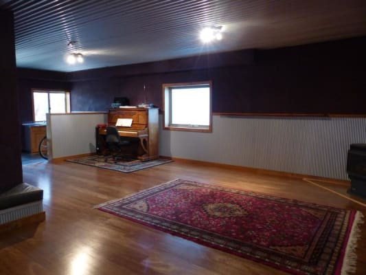 $240, Studio, 1 bathroom, Chambers Avenue, East Albury NSW 2640
