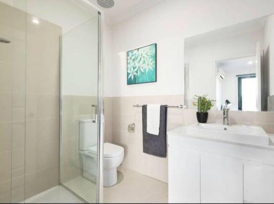 $195, Share-house, 4 bathrooms, Hughes Street, Burwood VIC 3125