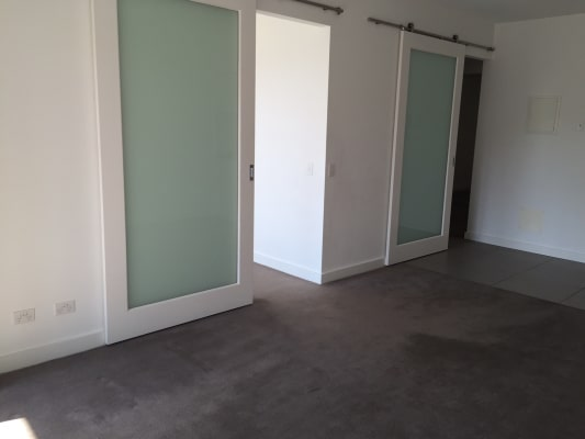 $525, Whole-property, 2 bathrooms, Malcolm Street, South Yarra VIC 3141