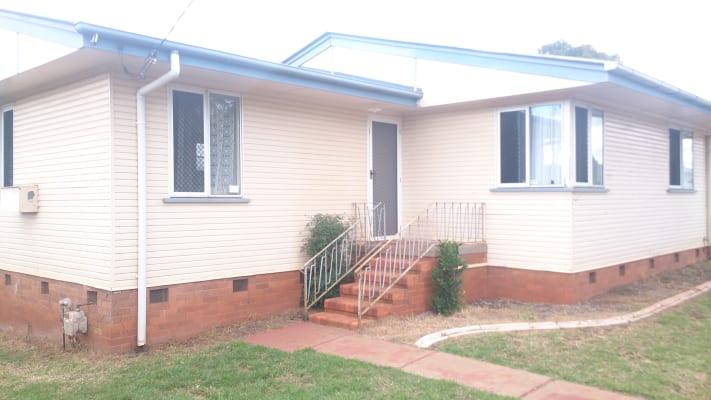 $110, Share-house, 3 bathrooms, Hampton, Newtown QLD 4350