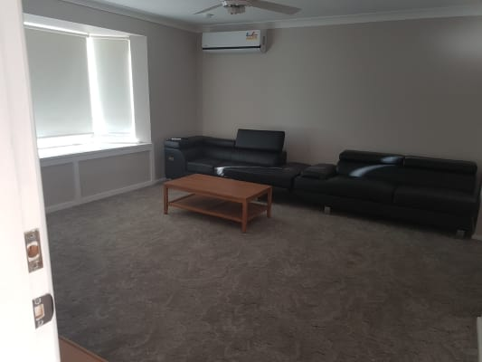 $200, Share-house, 3 bathrooms, Eungella Place, Orange NSW 2800