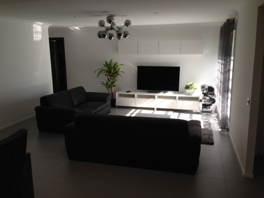$180, Share-house, 2 rooms, Hamish Street, Calamvale QLD 4116, Hamish Street, Calamvale QLD 4116
