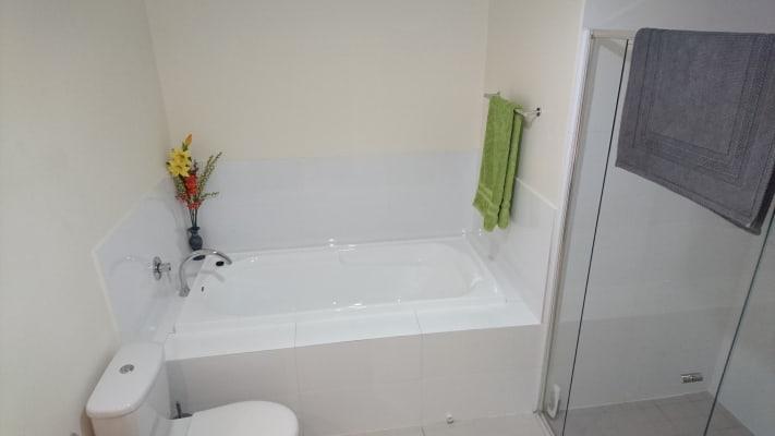 $250, Flatshare, 2 bathrooms, Toombul Avenue, Miami QLD 4220
