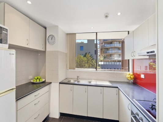 $400, Flatshare, 2 bathrooms, Goulburn Street, Surry Hills NSW 2010