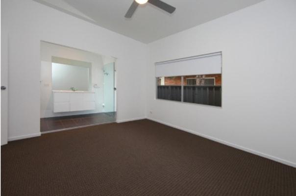 $680, Whole-property, 4 bathrooms, Hibberd Street, Hamilton South NSW 2303