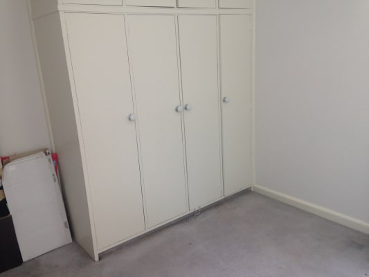 $400, 1-bed, 1 bathroom, Park Drive, Parkville VIC 3052