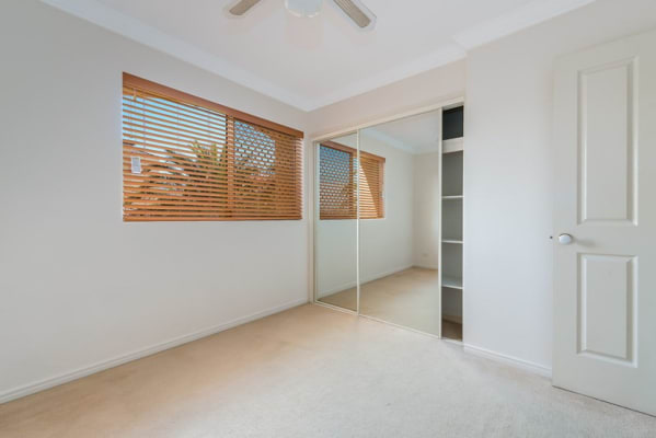 $210, Share-house, 3 bathrooms, Limetree Parade, Runaway Bay QLD 4216