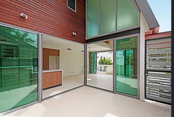 $250, Share-house, 4 bathrooms, Merthyr Road, New Farm QLD 4005