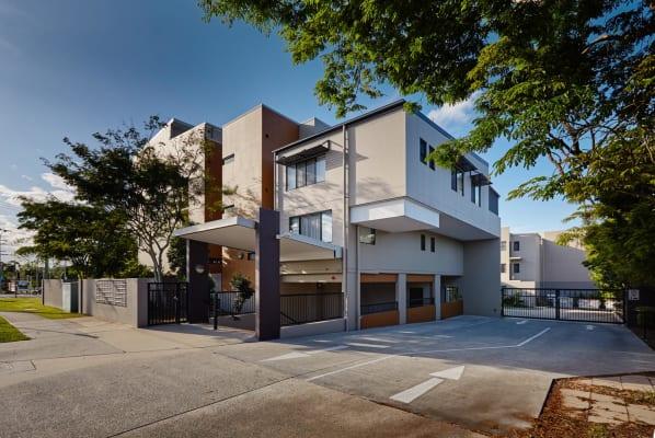 $215, Flatshare, 3 bathrooms, Logan Road, Upper Mount Gravatt QLD 4122