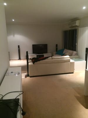 $180, Share-house, 2 bathrooms, Charlton Esplanade, Urangan QLD 4655