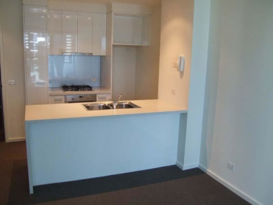$402, Flatshare, 2 bathrooms, City Road, Southbank VIC 3006