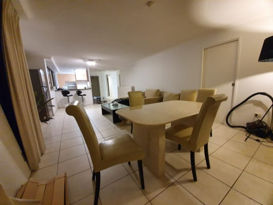 $0-150, Flatshare, 3 rooms, Marine Parade, Southport QLD 4215, Marine Parade, Southport QLD 4215