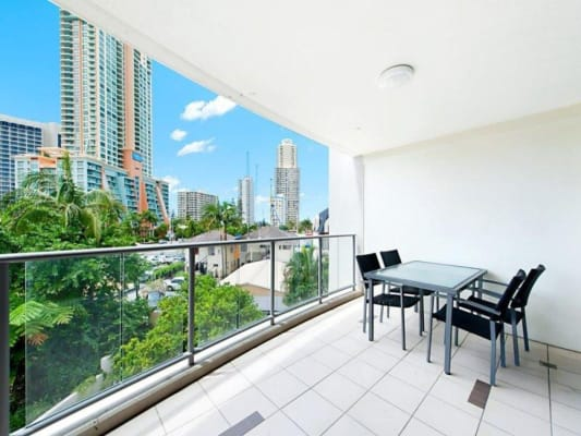 $250, Flatshare, 2 bathrooms, Cypress Avenue, Surfers Paradise QLD 4217