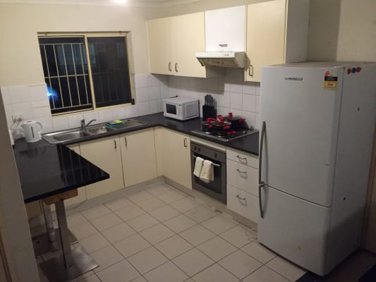 $190, Flatshare, 2 bathrooms, Ann Street, Surry Hills NSW 2010