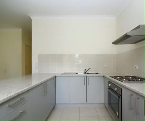 $250, Flatshare, 2 bathrooms, Cornwall Street, Greenslopes QLD 4120