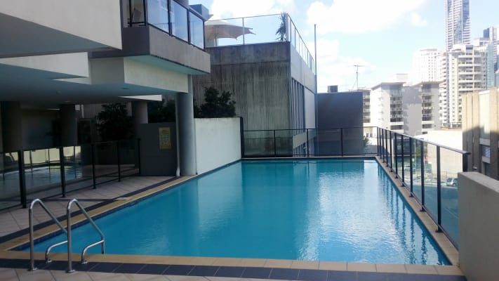$150, Flatshare, 2 bathrooms, Leichhardt Street, Spring Hill QLD 4000