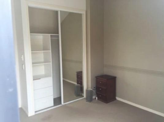 $176, Flatshare, 3 bathrooms, Great Hall Drive, Nobby Beach QLD 4218