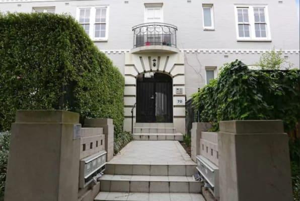 $799, 1-bed, 1 bathroom, Canterbury Road, Toorak VIC 3142