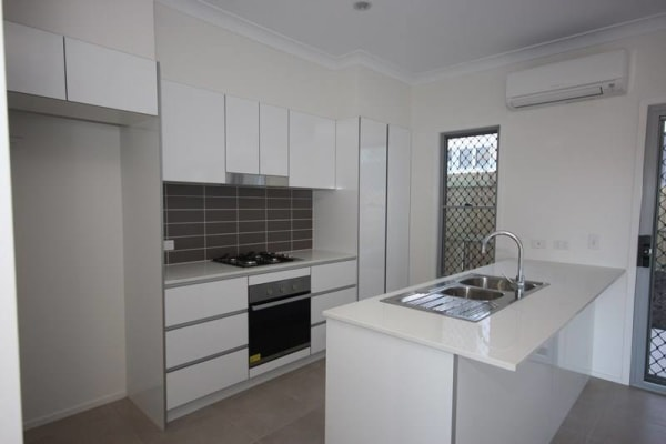 $160, Flatshare, 3 bathrooms, Tick Street, Mount Gravatt East QLD 4122