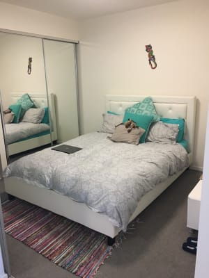 $200, Flatshare, 2 bathrooms, Thorn Street, Kangaroo Point QLD 4169