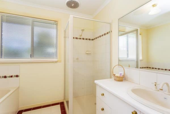 $175, Share-house, 3 bathrooms, Canis Crescent, Ocean Grove VIC 3226