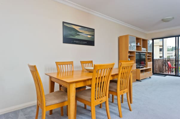 $300, Flatshare, 2 bathrooms, Bronte Street, East Perth WA 6004