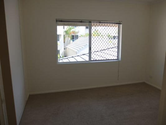 $100, Flatshare, 3 bathrooms, Lily Street, Cairns North QLD 4870