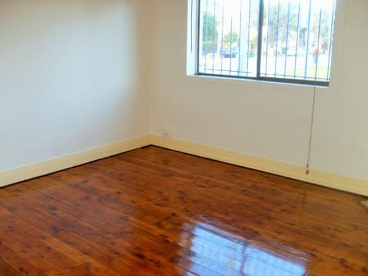 $570, Whole-property, 2 bathrooms, Napoleon Street, Sans Souci NSW 2219
