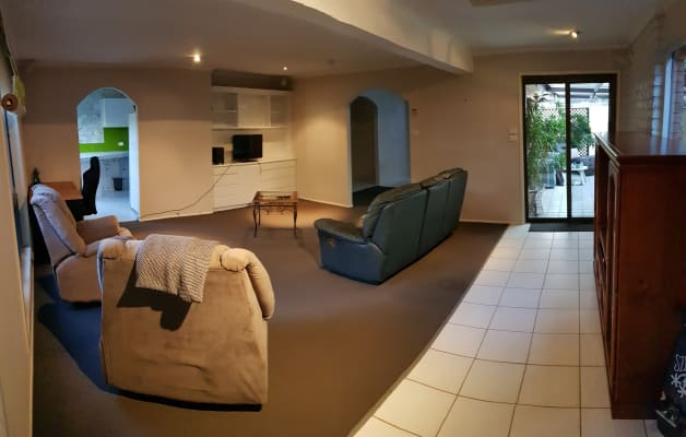 $160, Share-house, 4 bathrooms, Crombie Avenue, Surfers Paradise QLD 4217