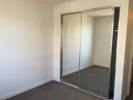 $250, Flatshare, 2 bathrooms, Giles Street, Kingston ACT 2604