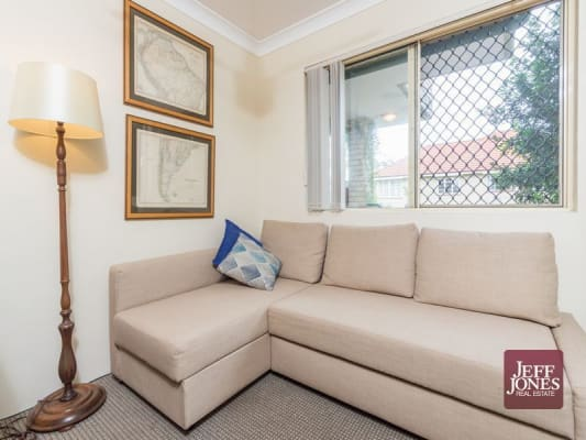 $380, Whole-property, 2 bathrooms, Avondale Avenue, Annerley QLD 4103