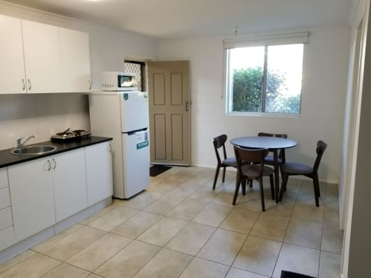 $180, Share-house, 3 bathrooms, Bayview Street, Runaway Bay QLD 4216