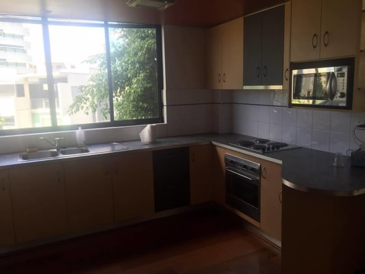 $165, Share-house, 3 bathrooms, Oconnell Street, Kangaroo Point QLD 4169