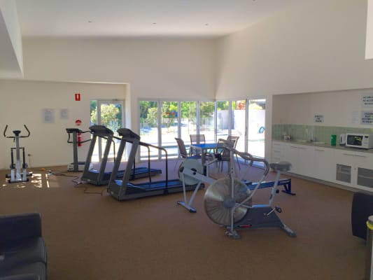 $220, Flatshare, 3 bathrooms, Grand Parade, Parrearra QLD 4575