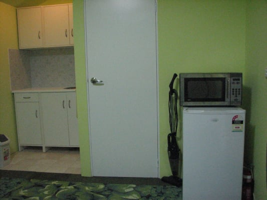 $250, Granny-flat, 1 bathroom, Kleins Road, Northmead NSW 2152