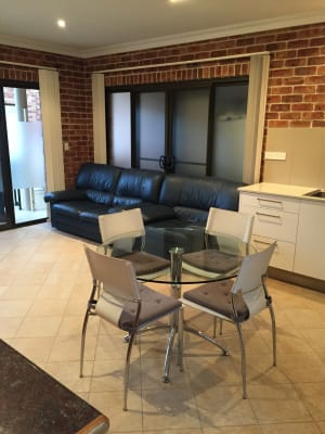 $475, 1-bed, 1 bathroom, De Chair Road, Narraweena NSW 2099