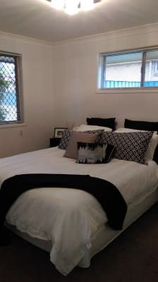 $220, Whole-property, 2 bathrooms, Gordon Avenue, Newtown QLD 4305