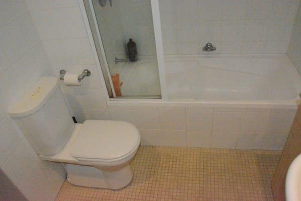 $380, Flatshare, 2 bathrooms, Erskineville Road, Newtown NSW 2042