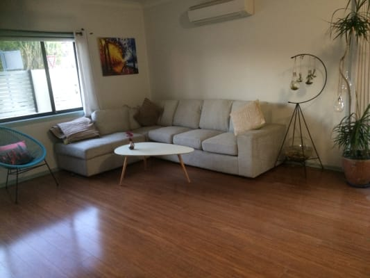 $255, Share-house, 2 bathrooms, Buchanan Street, Merewether NSW 2291